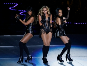 showbiz-destinys-child-reunited-at-beyonce-super-bowl-show
